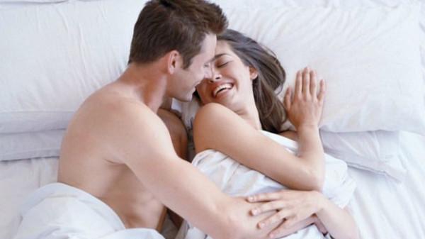 """Đàn ông cũng thích nghe những lời """"có cánh"""" trong khi yêu"""